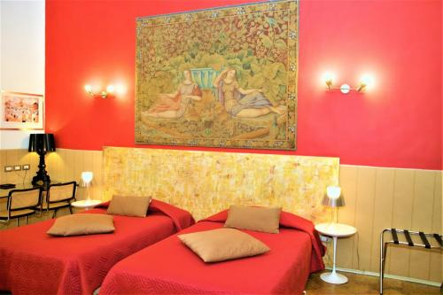 This hotel is in a great location, close to the achaeological museum. It is also close to a metro station, which runs to the central train station.